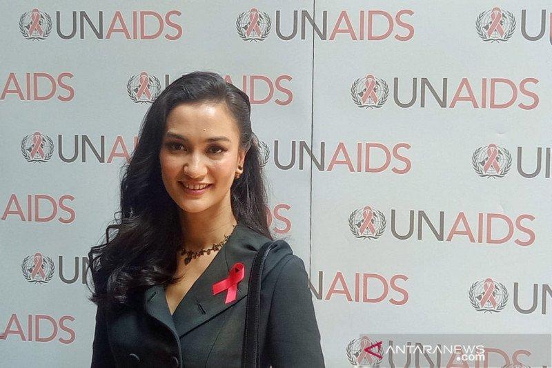 PSBB Jakarta, Atiqah Hasiholan tergerak bantu promosi UMKM