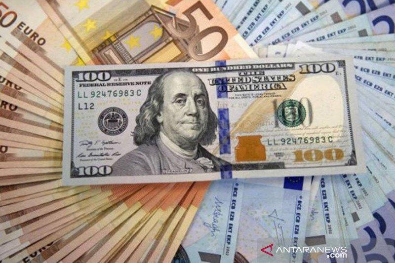 Dolar AS di akhir perdagangan Selasa pagi menguat