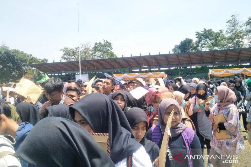 Dinas ketenagakerjaan Cianjur tutup sementara bursa kerja