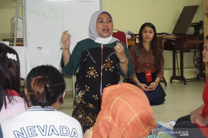 Menaker ajak pekerja migran berwirausaha usai bekerja di Malaysia
