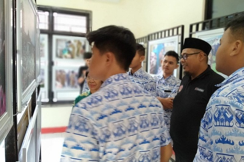 Siswa di Lampung antusias saksikan pameran foto ANTARA