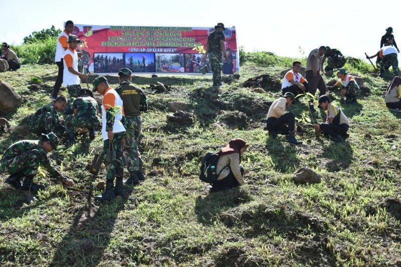 Kodam XIII/Merdeka tanam pohon sambut Hari Juang TNI AD