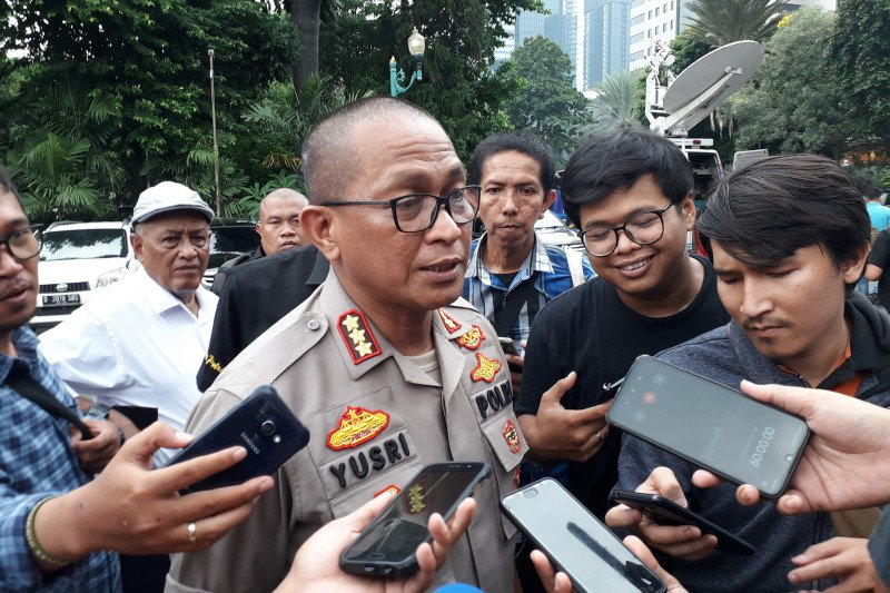 Bom Monas, Penyidik belum bisa periksa korban granat asap