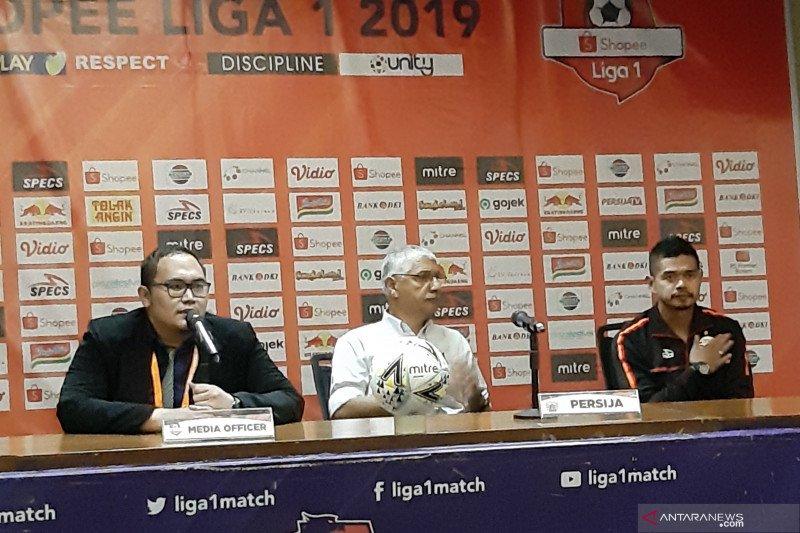 Pelatih Persija kecewa tak bisa berikan kemenangan di laga terakhir untuk Bepe