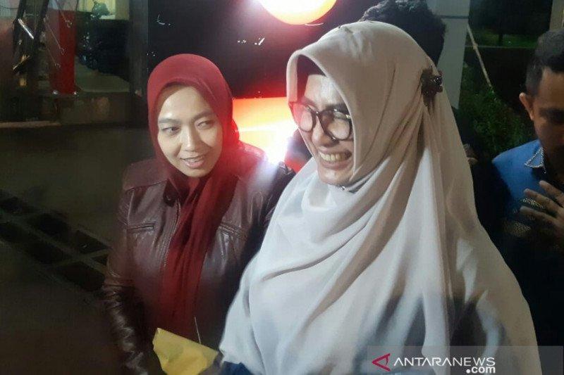 Istri Imam Nahrawi berharap  kasus yang jerat suaminya cepat selesai