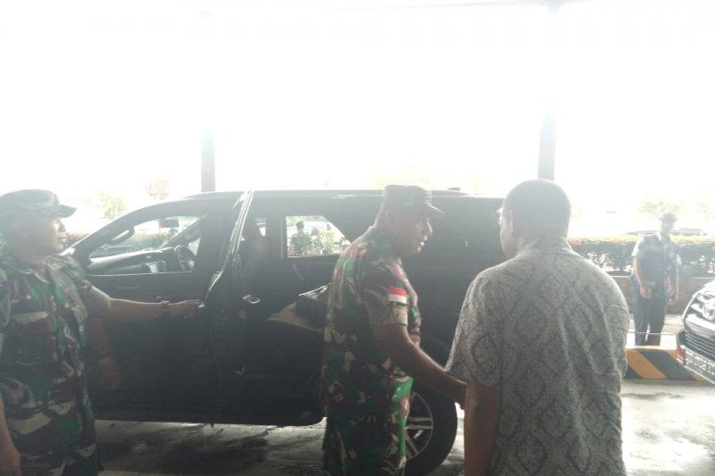 Jenazah dua prajurit TNI korban KKSB diterbangkan ke Medan dan Jakarta
