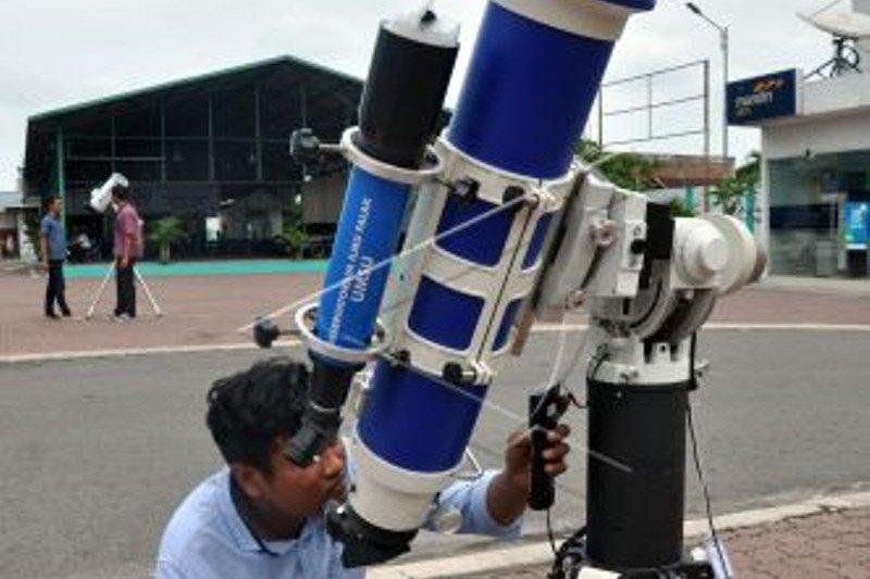 Amati gerhana Matahari cincin, warga diminta gunakan kacamata khusus