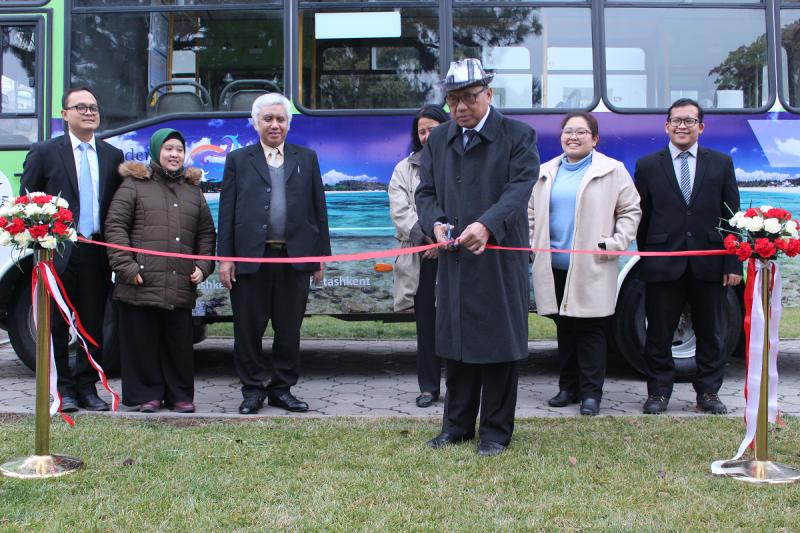 "Bus promosi ""Wonderful Indonesia"" beredar di Tashkent, Uzbekistan"