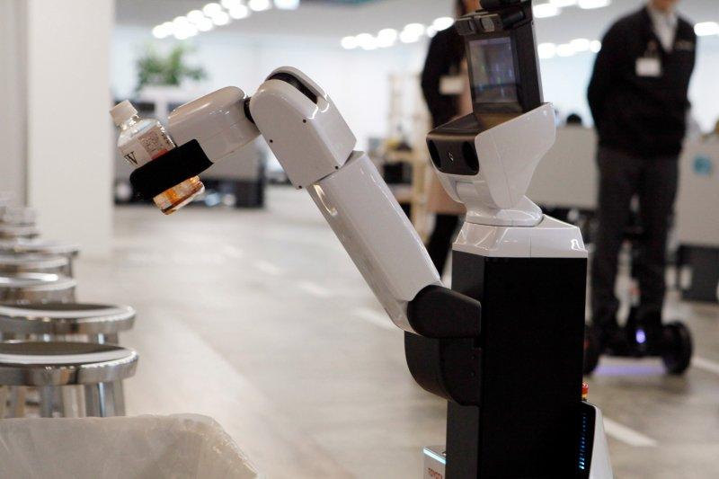 Robot gantikan mahasiswa Jepang dalam acara kelulusan, akibat pandemi Corona