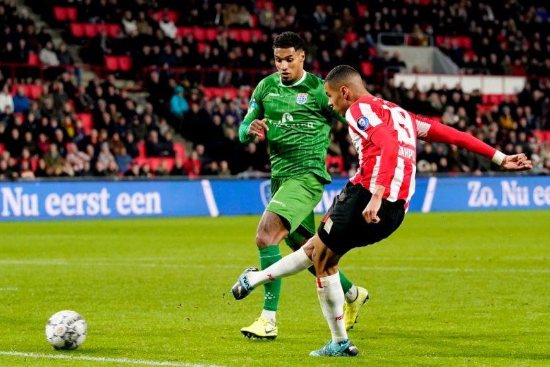 PSV bangkit dari ketertinggalan untuk berbalik lumat Zwolle 4-1