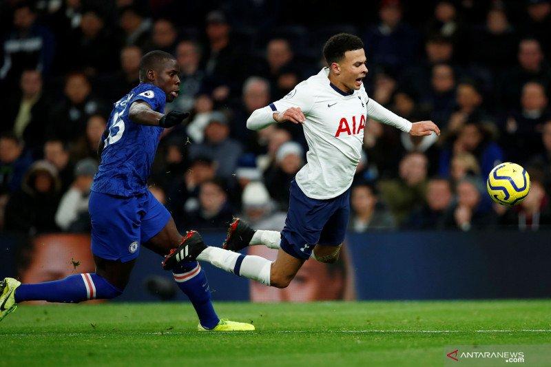 Jose Mourinho meyakini Dele Alli bertahan di Spurs