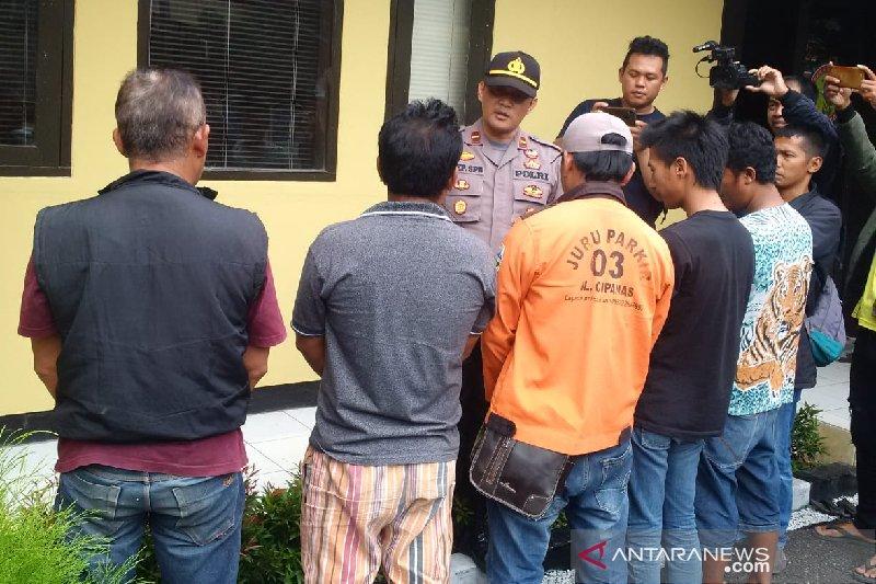 Polisi tangkap lima pemeras wisatawan objek wisata Cipanas Garut