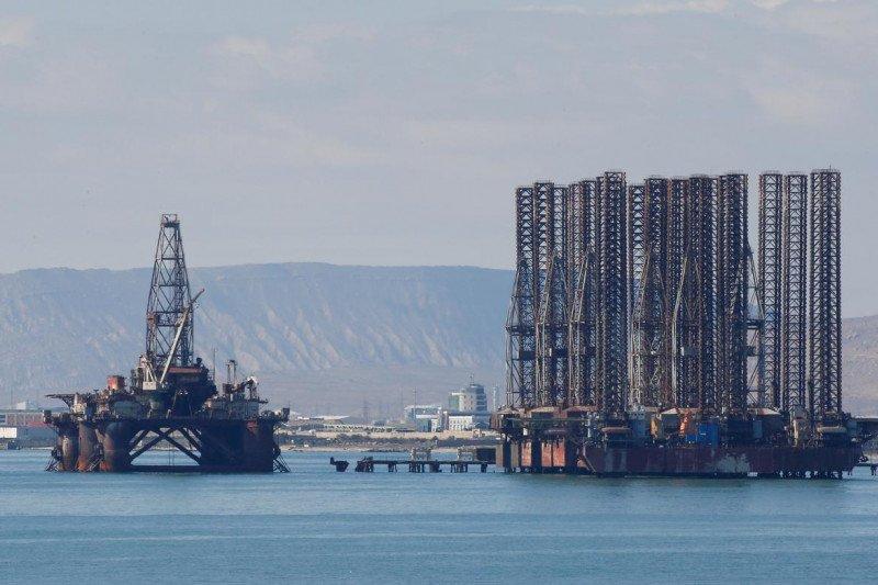 Harga minyak naik, investor khawatirkan permintaan berkurang