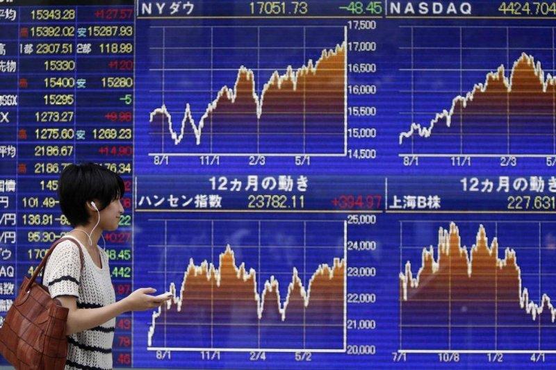 Bursa saham Tokyo dibuka melemah tajam  setelah  Wall Street turun