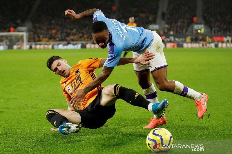 Manchester City dengan  10 pemain takluk 2-3 di kandang Wolverhampton
