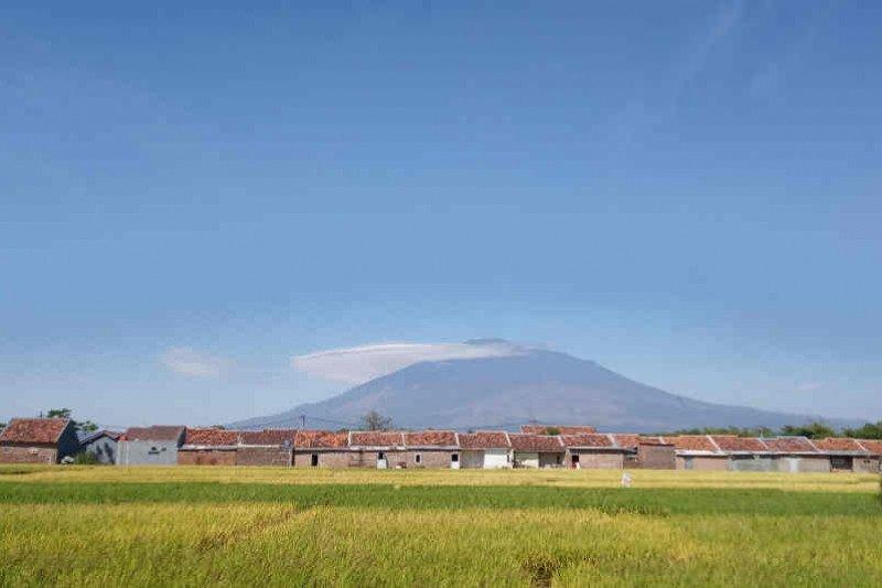 Jalur pendakian Gunung Ciremai kembali dibuka, setelah ditutup akibat kebakaran