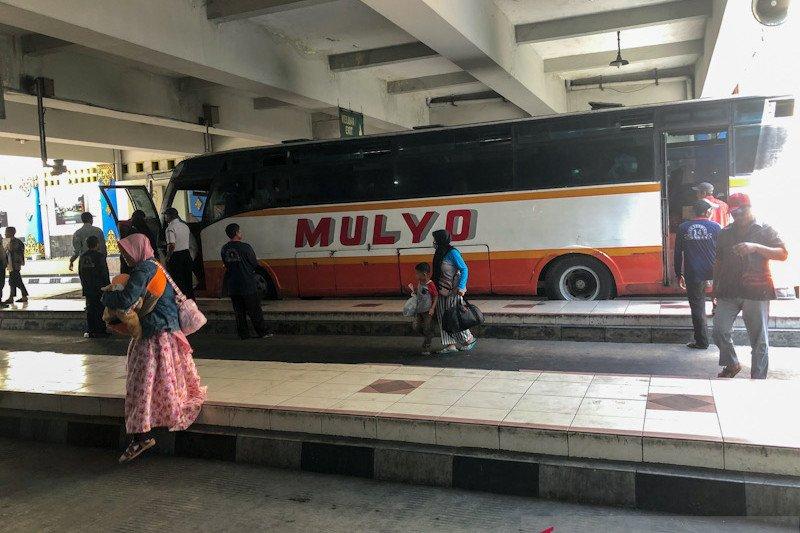 Sejumlah bus terlambat masuk Terminal Giwangan Yogyakarta