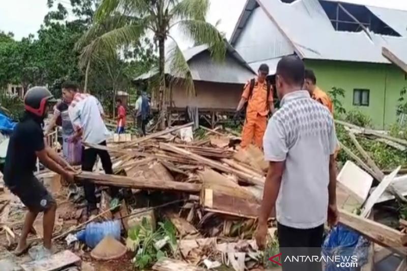 Di Wakatobi, Puting beliung porak-porandakan rumah warga