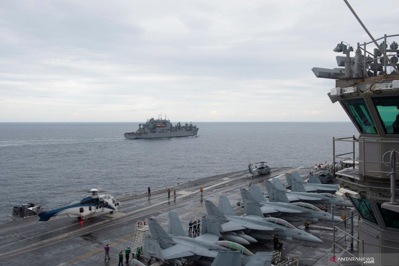 Kapal perang Amera Serikat  di Laut Arab sita  senjata diduga buatan Iran