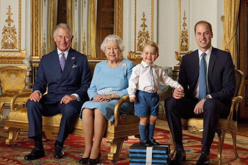 Positif mengidap corona, Pangeran Charles kabari Ratu Elizabeth