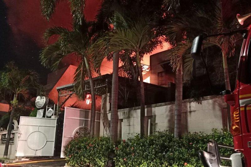 Kebakaran landa dua rumah mewah, dua lansia tewas