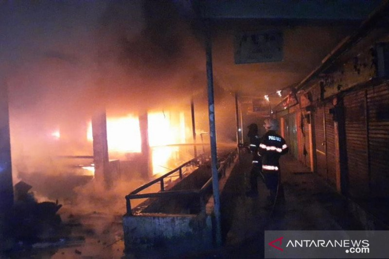 Polisi turunkan tim usut kebakaran di Padang Teater
