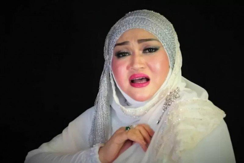 Lina mantan istri komedian Sule meninggal akibat serangan jantung