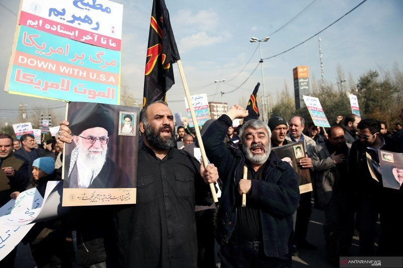 Iran gempur pangkalan udara Irak--ada pasukan AS tak lama usai pemakaman Soleimani