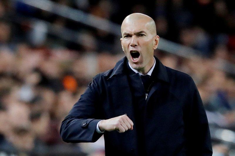 Zidane ingin Sergio Ramos gantung sepatu di Real Madrid