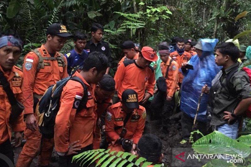 Tim gabungan Basarnas terus cari pelajar hilang di  Kerinci