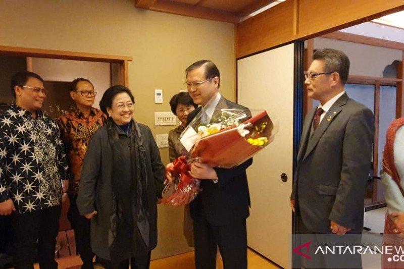 Kuliah diganjal, ini nasehat Bung Karno ke Megawati