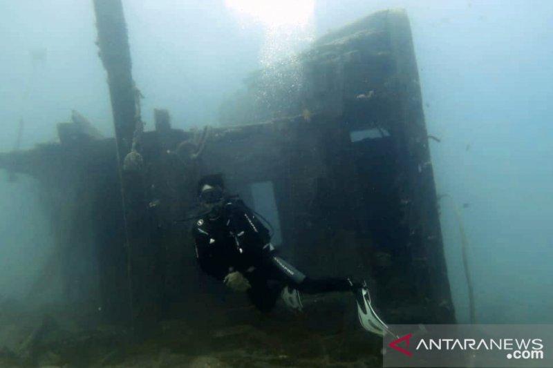 Bangkai kapal ikan asing di Natuna