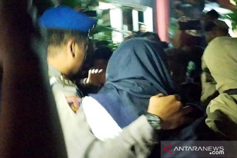 Tiga orang dibawa ke Polda terkait OTT KPK di Sidoarjo