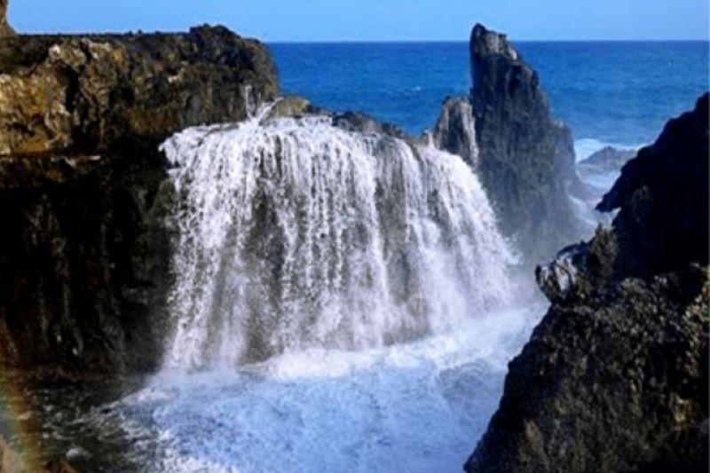 Serpihan surga di Pantai Nambung-Sekotong
