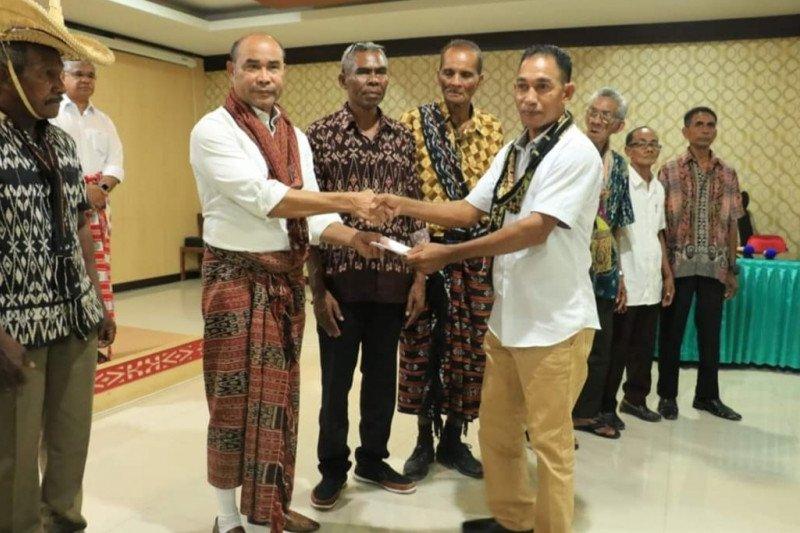 Warga  Kupang serahkan lahan 200 hektare untuk usaha garam