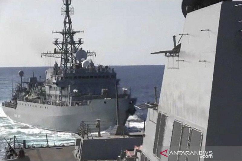 Kapal perang Rusia dan kontainer Swiss bertabrakan di perairan Denmark