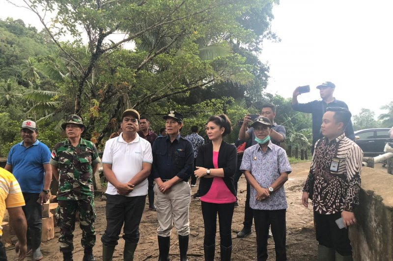 Komisi IX DPR imbau pemerintah  perbaiki fasum pascabanjir di Sangihe