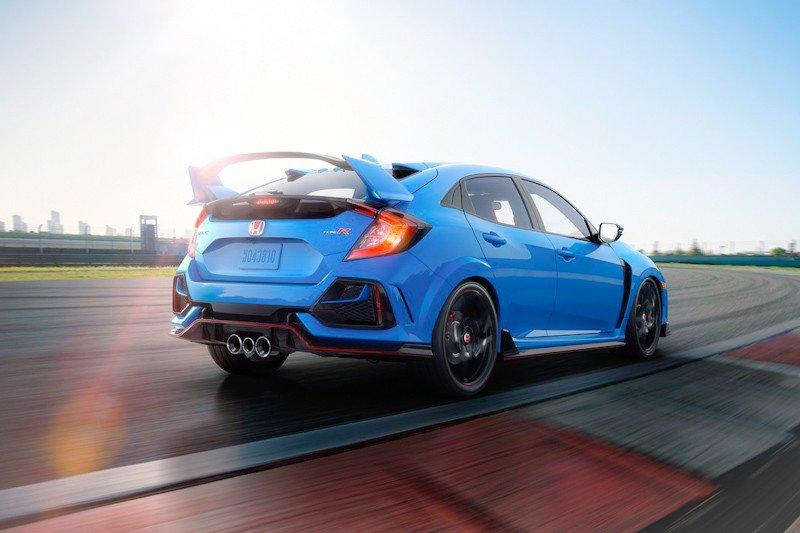 Honda Civic tingkatkan performa suspensi dan rem