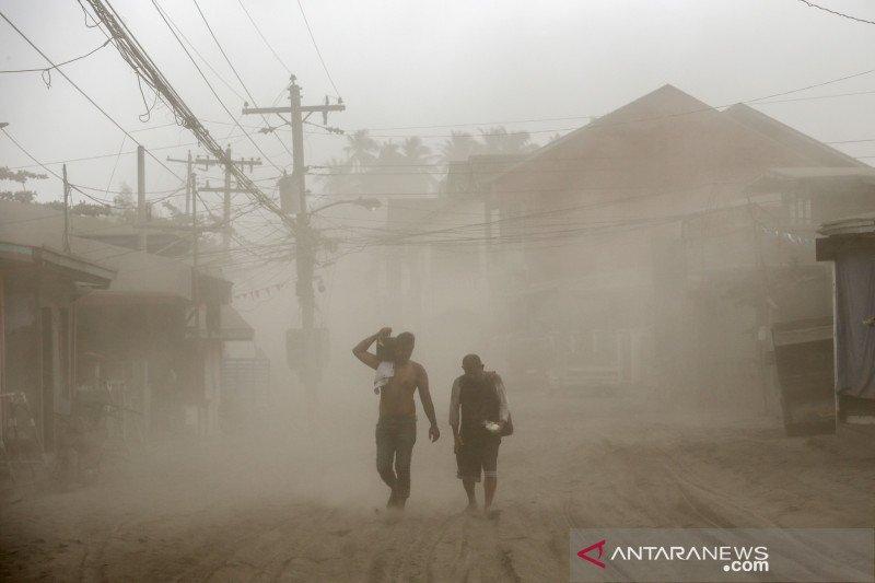 Ibu kota Filipina Manila lumpuh akibat aktivitas vulkanik Gunung Taal