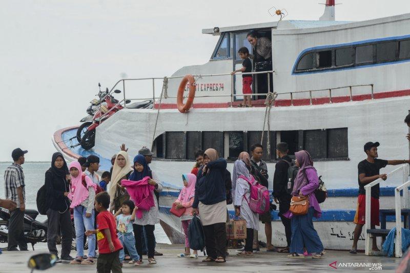 Cegah COVID-19, akses transportasi umum ke Kepulauan Seribu ditutup sementara