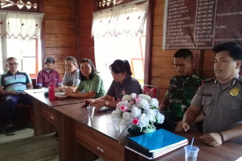 Bhabinkamtibmas imbau warga desa waspadai cuaca Ekstrem