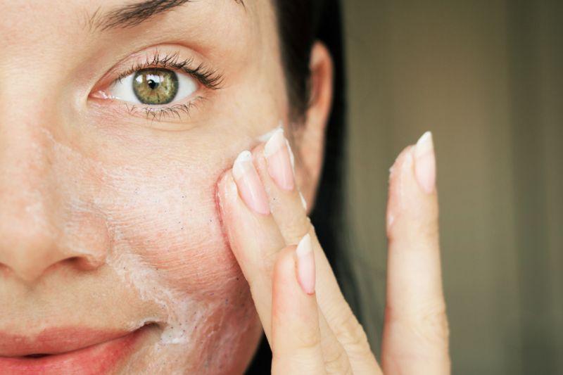 Mengapa kulit bisa kendur setelah usia 25 tahun?