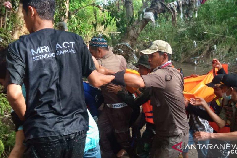 ACT bersama tim gabungan evakuasi warga tenggelam di Kabupaten Sidrap