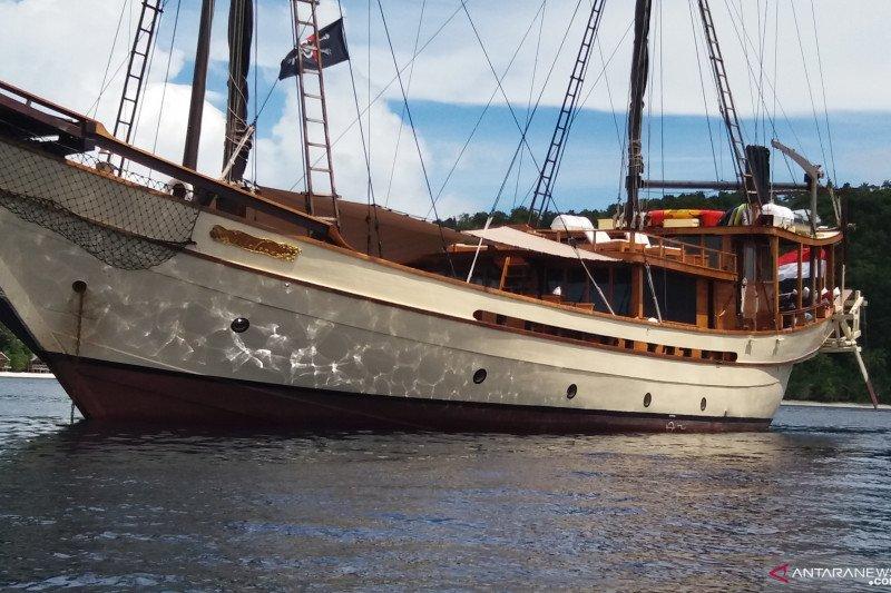 Pemkab Raja Ampat kurangi jumlah kapal wisata, hindari kerusakan lingkungan