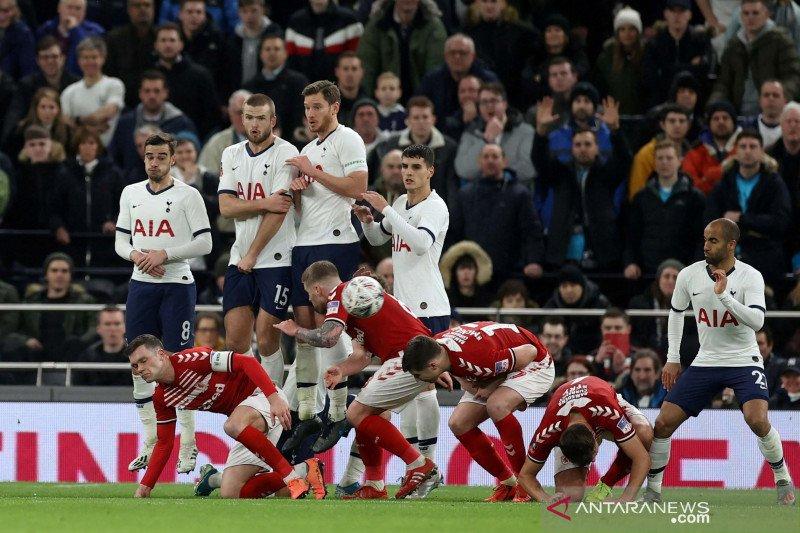 Demi singkirkan Middlesbrought, Tottenham jaga keunggulan