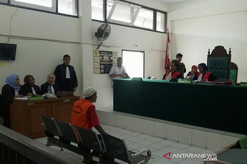 Penjual satwa dilindungi dituntut  1 tahun 6 bulan penjara