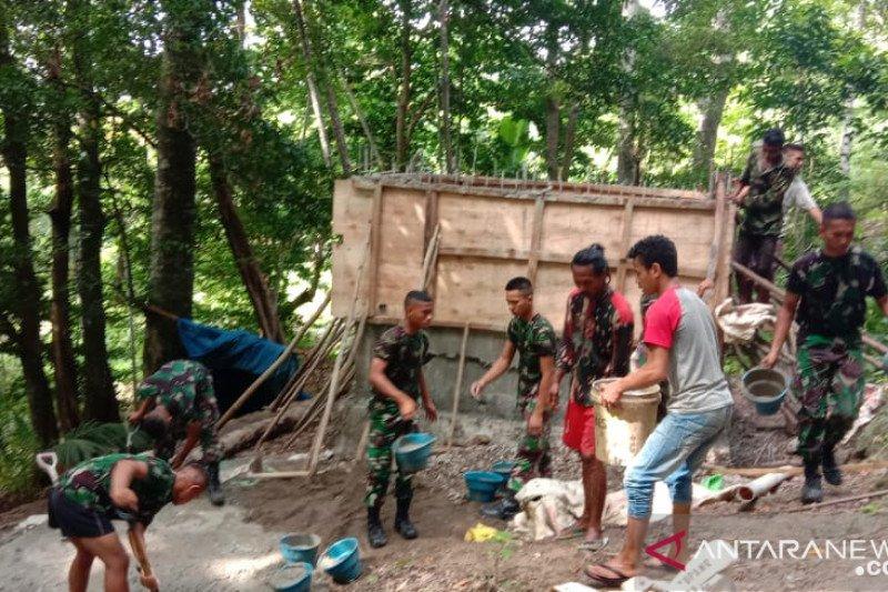 Brigif 21/Komodo bangun fasilitas air bersih untuk warga Naunu