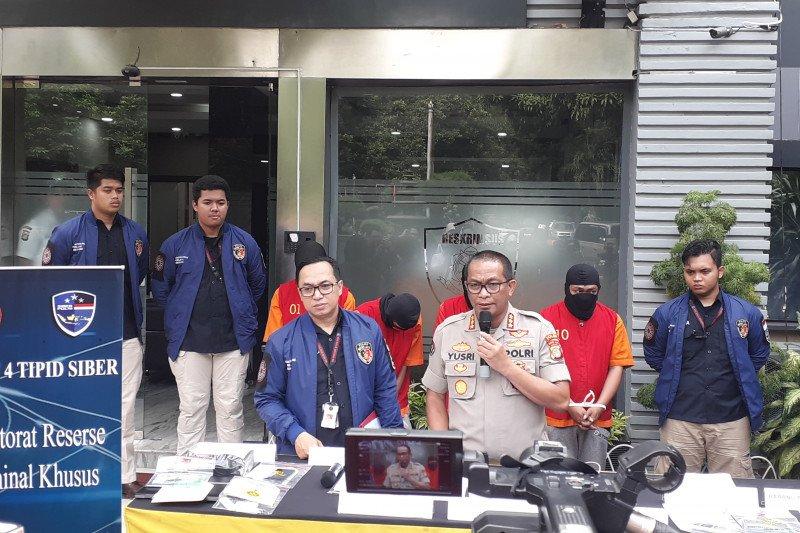 Polisi tangkap empat penipu daring bermodus  situs palsu