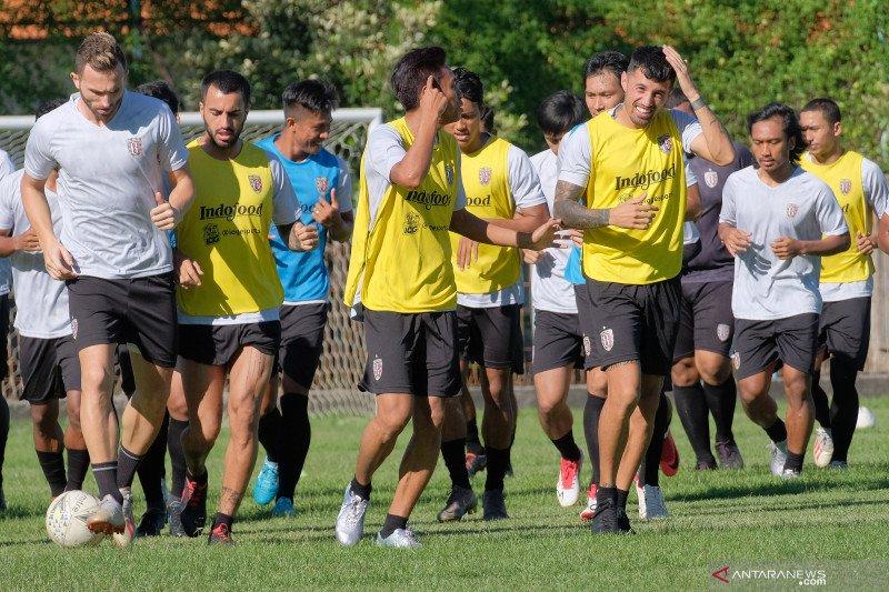 Pemain Bali United gantung sepatu karena ingin jadi polisi