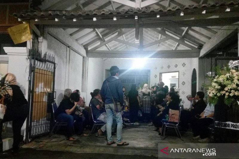 Keluarga ungkap keinginan terakhir artis Ade Irawan sebelum wafat